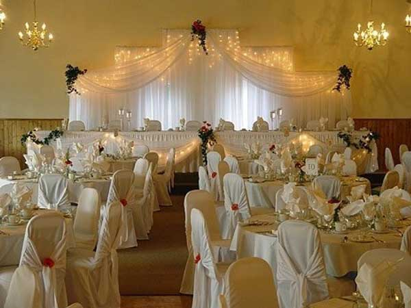 Wedding themes portugal white weddings for Simple elegant wedding decorations